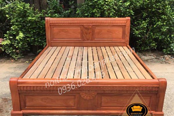 Giường ngủ gỗ hương đá